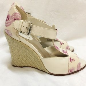 Cole Haan Floral print wedge size 6B